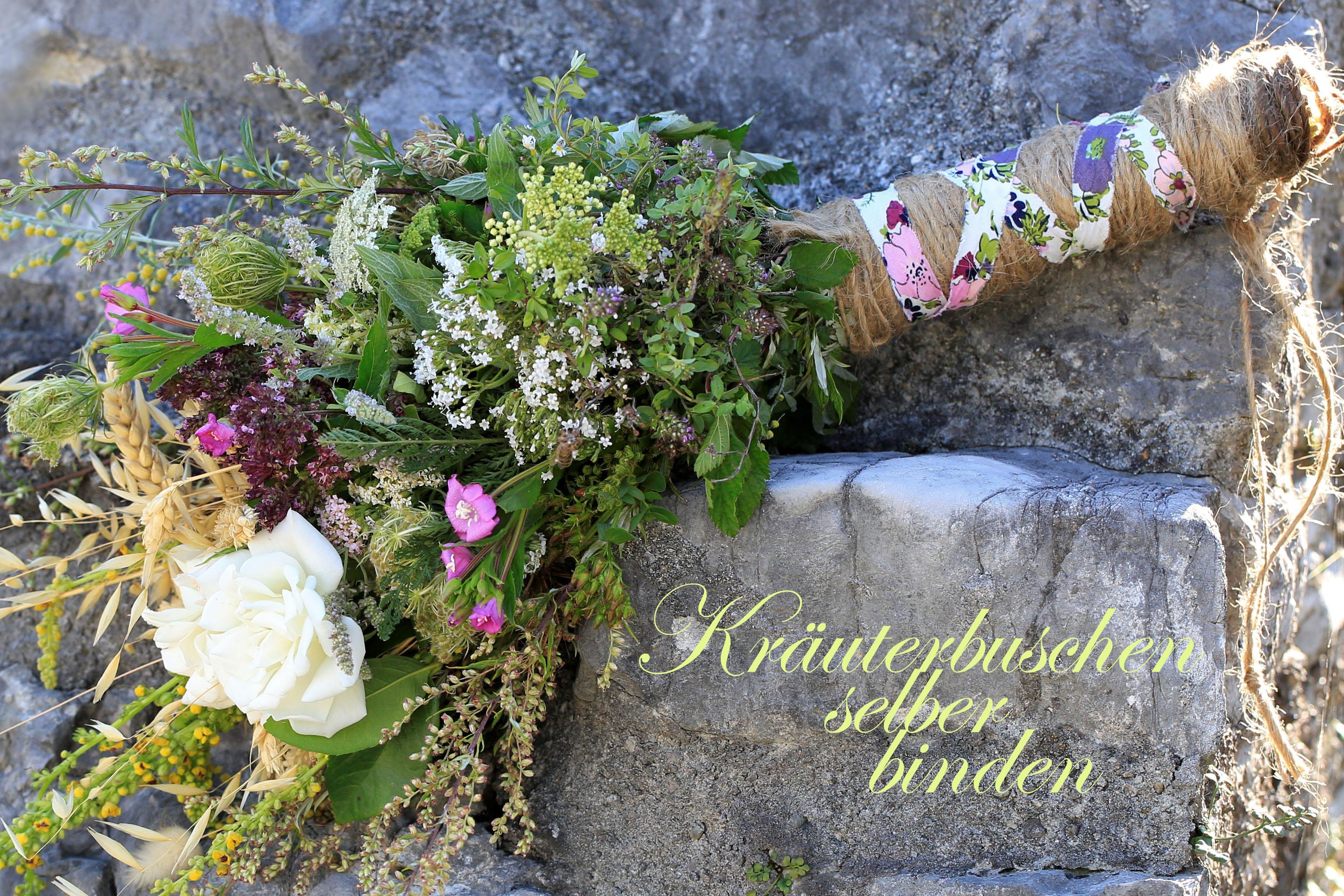 Zum Frauendreißiger zu Maria Himmelfahrt werden traditionell viele Kräuter gesammelt. Durch die Weihung erhält der Kräuterbuschen noch mehr Heilkraft.