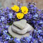 Wilde Blumendeko – DIY Günselnest