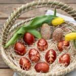 """""""Botanische Ostereier"""": Natürlich mit Zwiebelschalen gefärbt"""